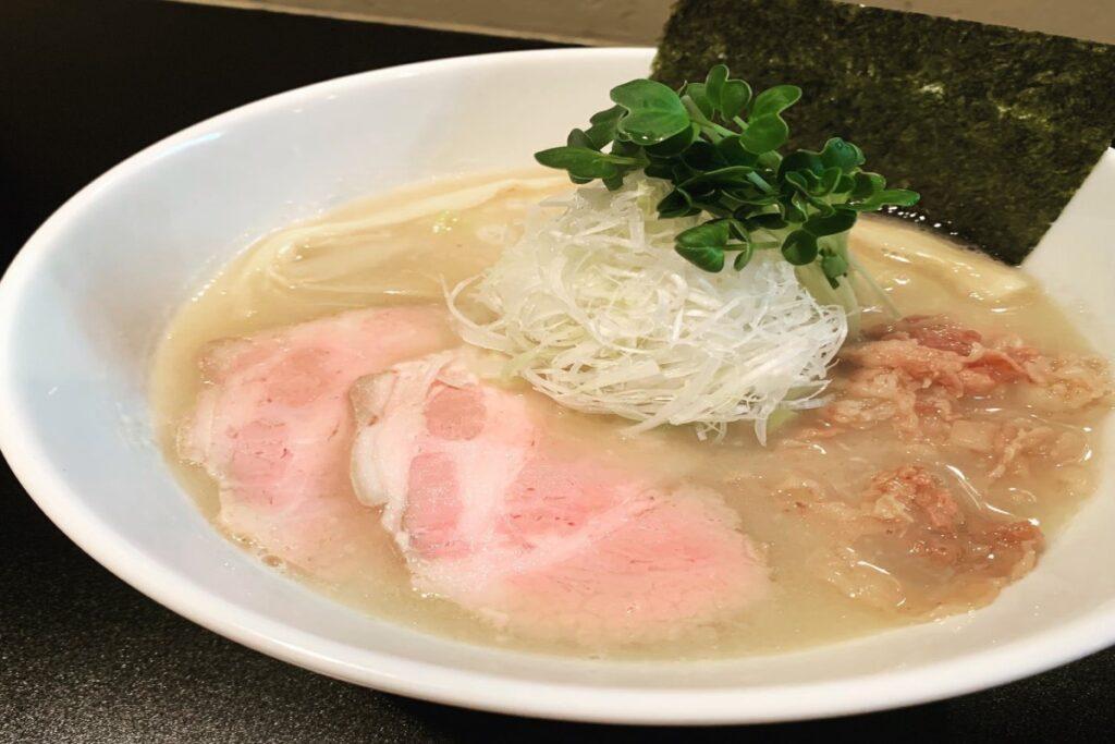『麺や勝治 』青唐辛痛麺