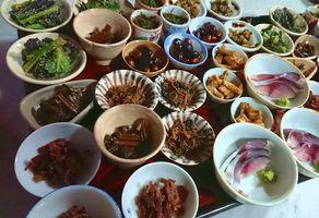 種類豊富な小皿料理